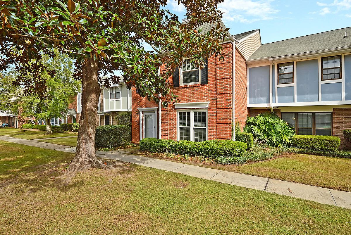 Photo of 2907 Barrington Lane, Charleston, SC 29414 (MLS # 20029341)