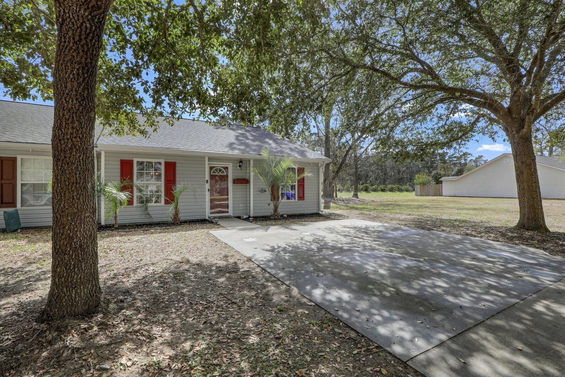 Photo of 1283 Apex Lane, Charleston, SC 29412 (MLS # 21005341)