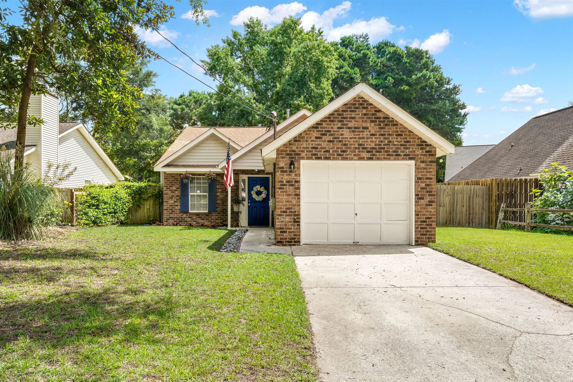 Photo of 988 Nabors Drive, Charleston, SC 29412 (MLS # 21020365)