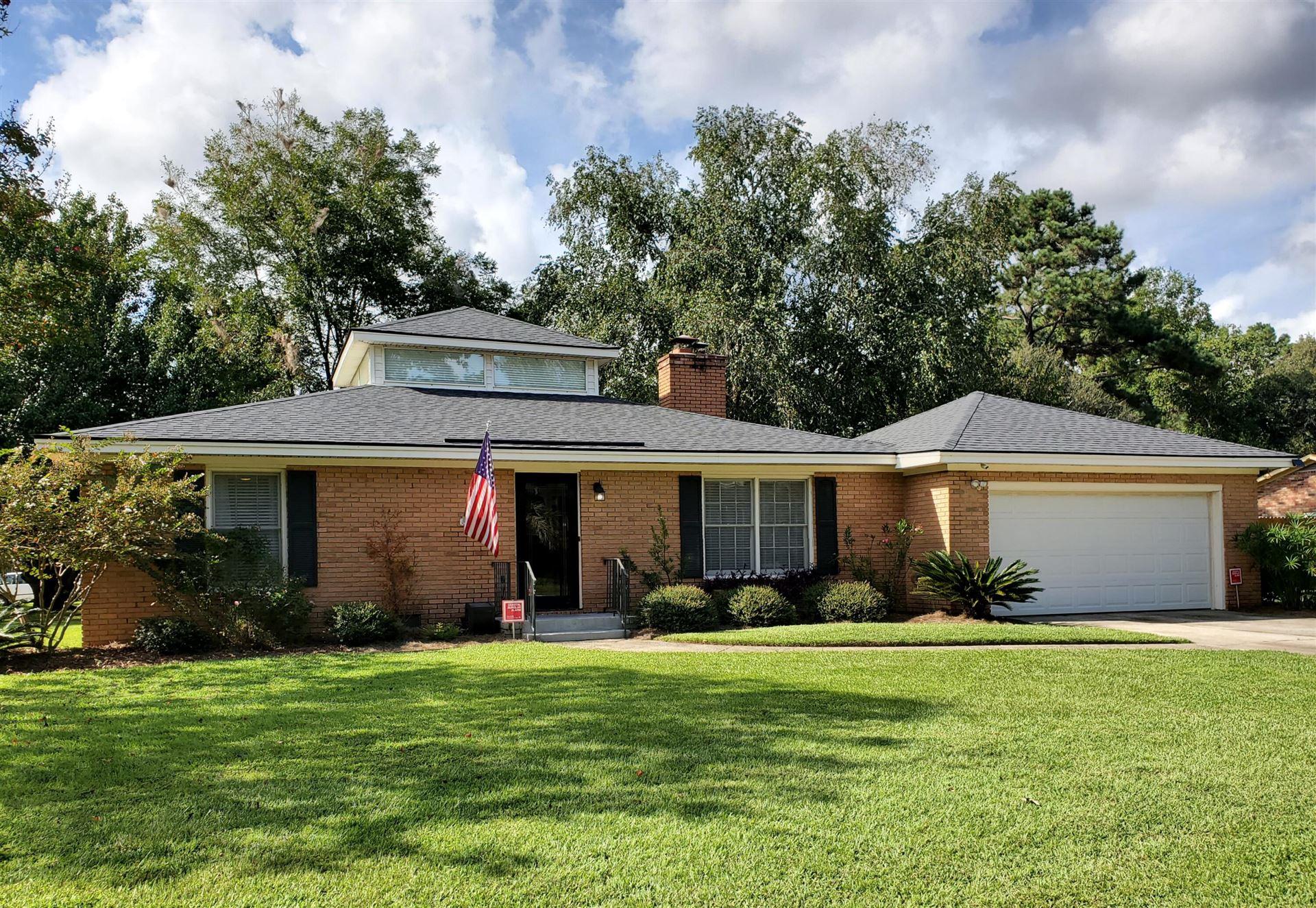 Photo of 1680 Sulgrave Road, Charleston, SC 29414 (MLS # 21025537)