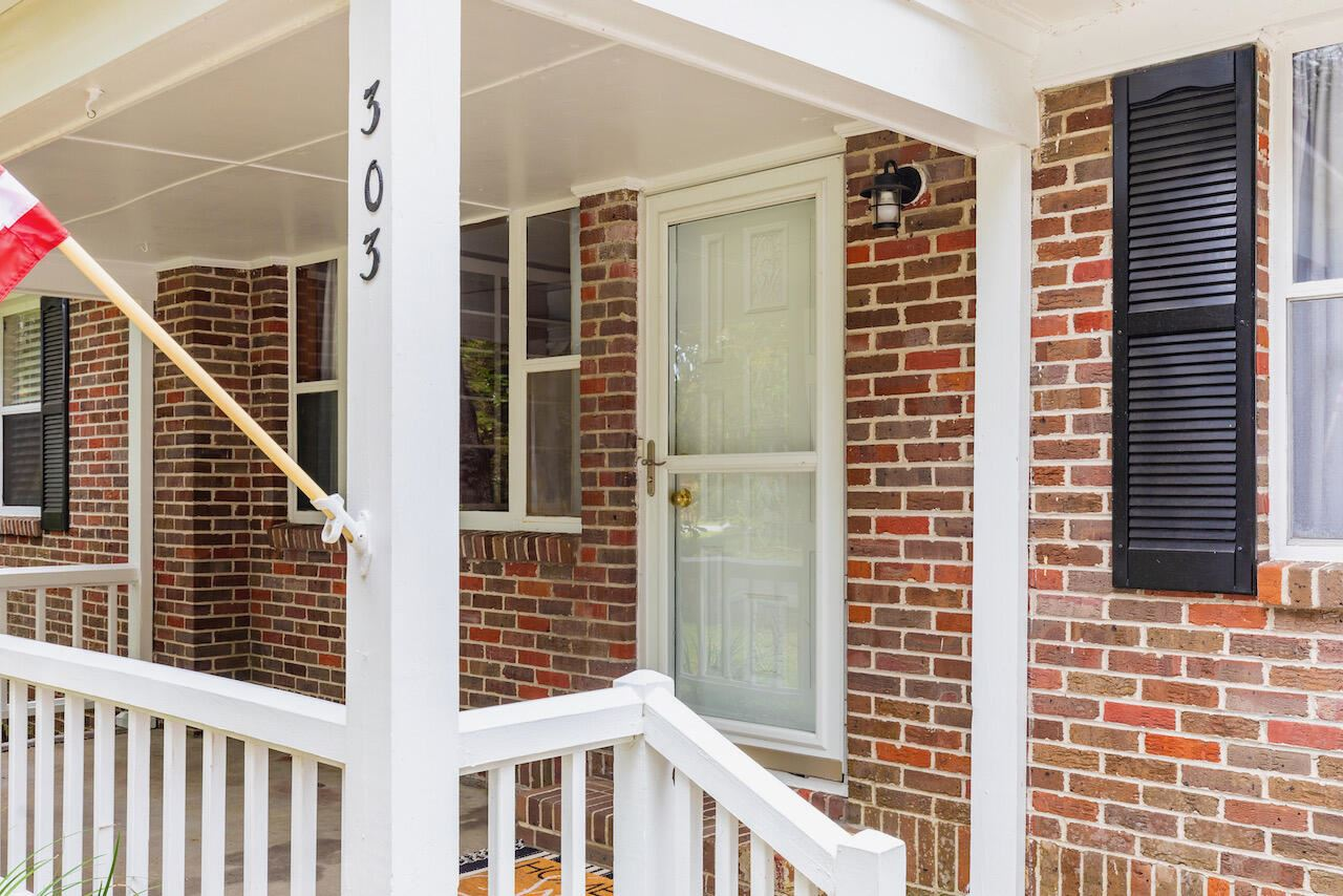 Photo of 303 Yates Avenue, Charleston, SC 29412 (MLS # 21025560)