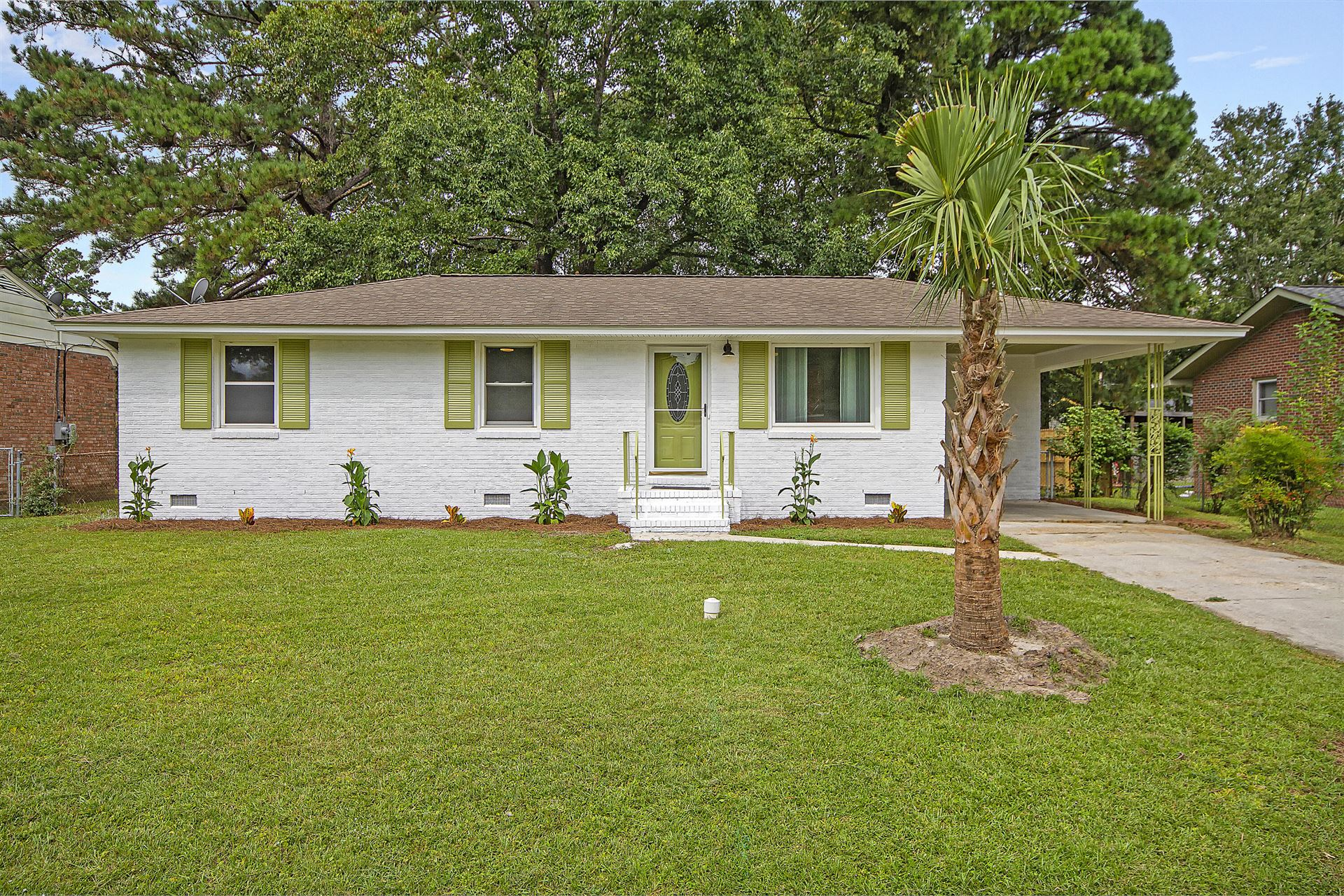 Photo of 831 Cartwright Drive, Charleston, SC 29414 (MLS # 21025566)
