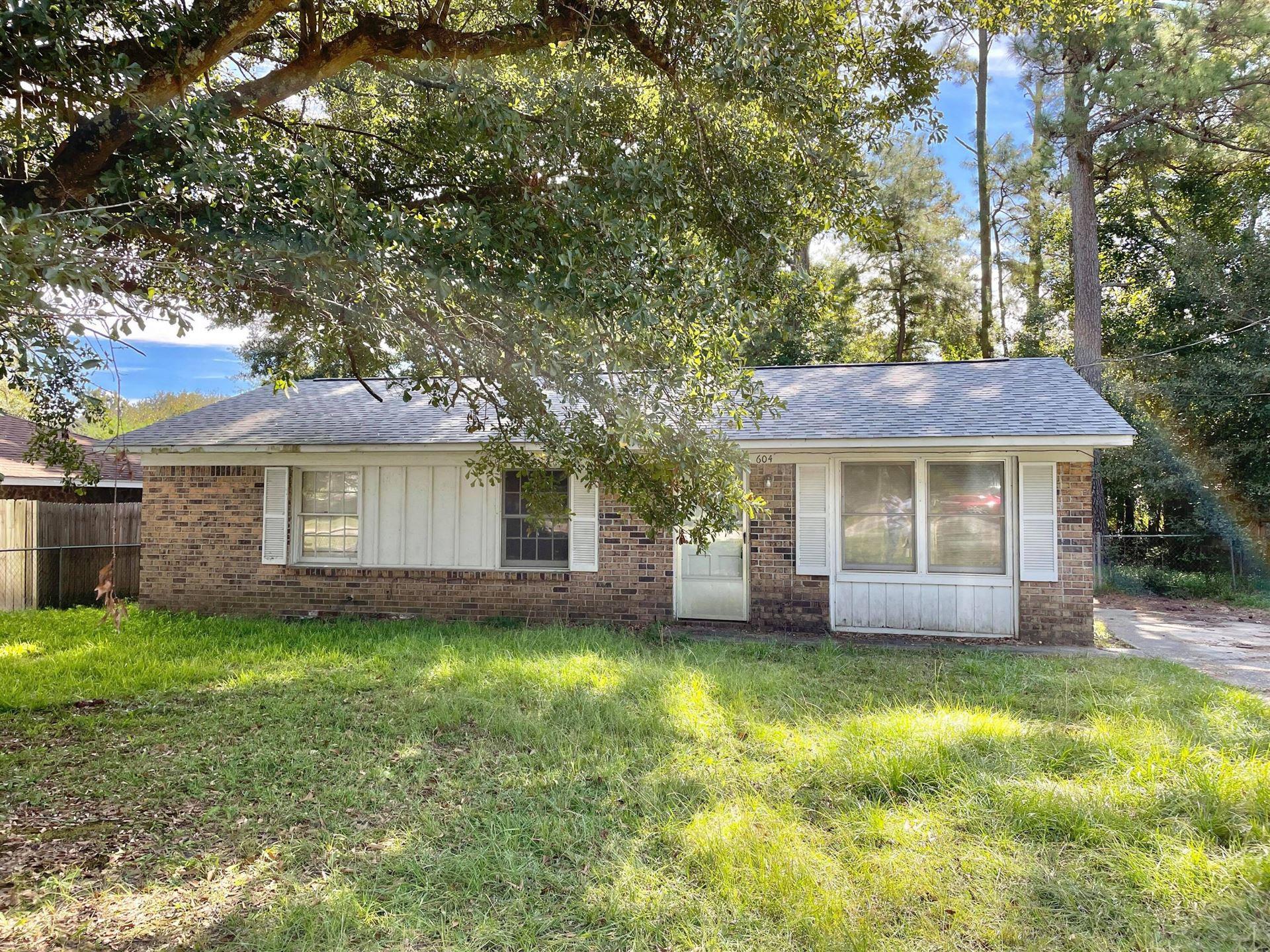 Photo of 604 Beech Hill Road, Summerville, SC 29485 (MLS # 21028613)
