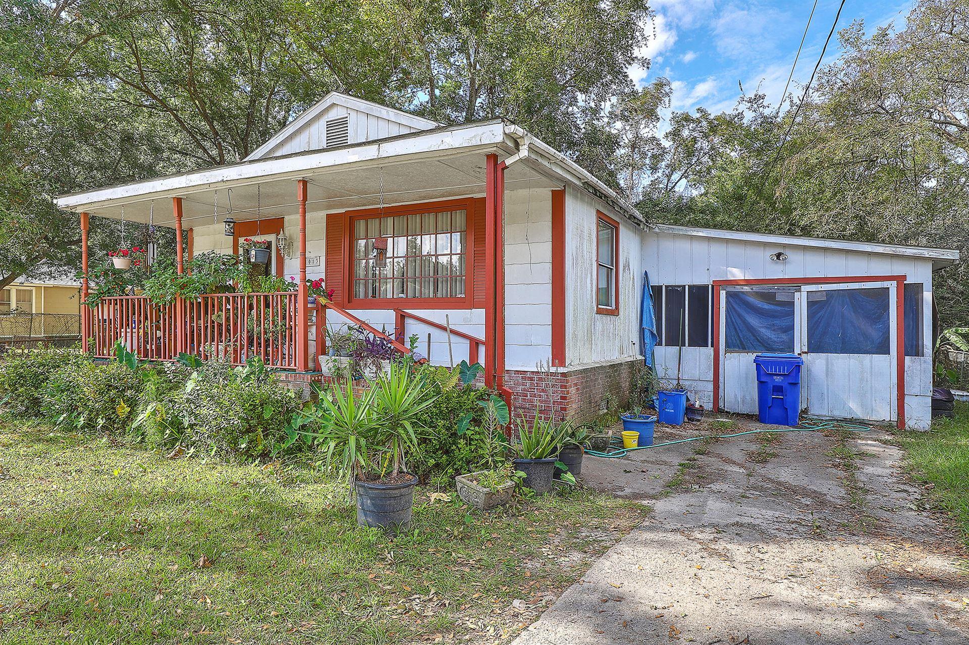 Photo of 1013 Mamie Street, Charleston, SC 29407 (MLS # 21028625)