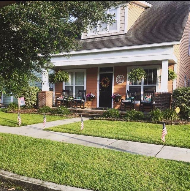 Photo of 103 Foxglove Avenue, Summerville, SC 29483 (MLS # 21016634)