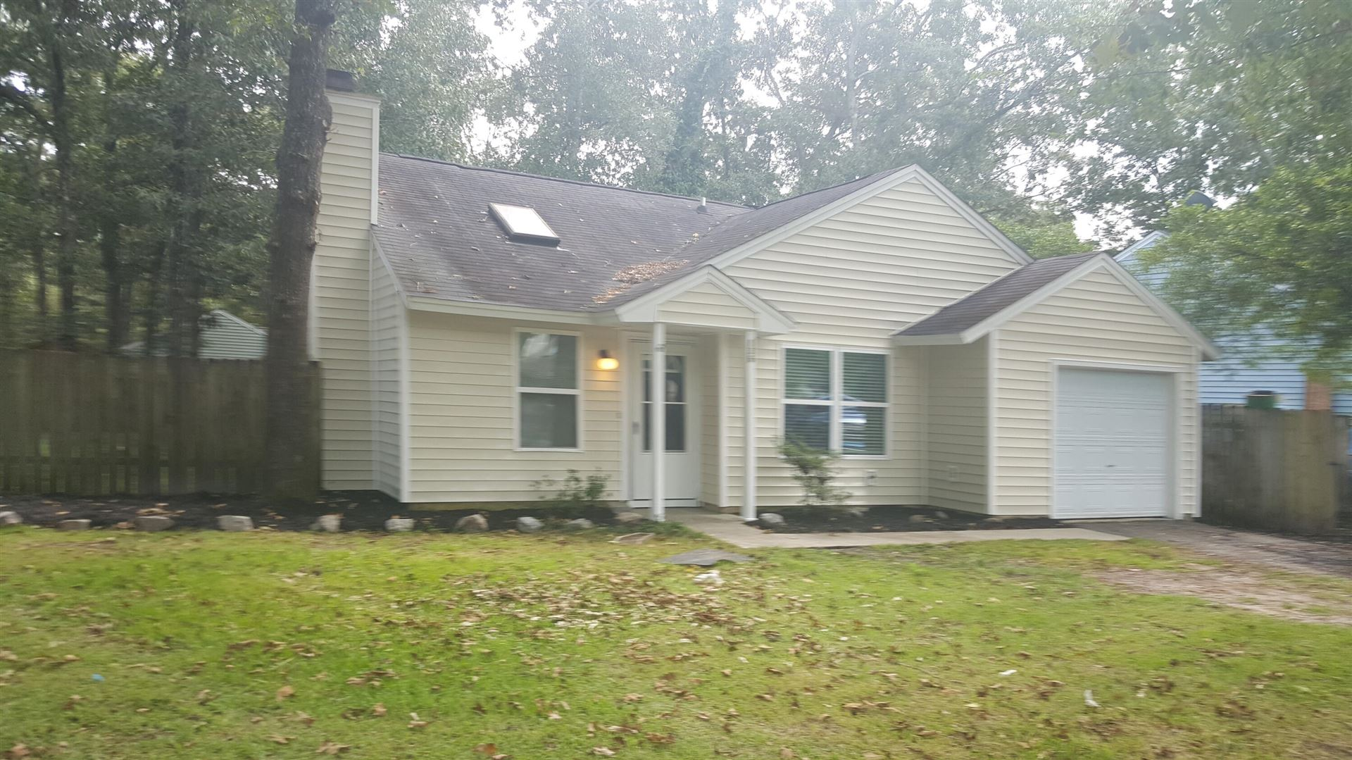 Photo of 136 Tabby Creek Circle, Summerville, SC 29486 (MLS # 21028681)