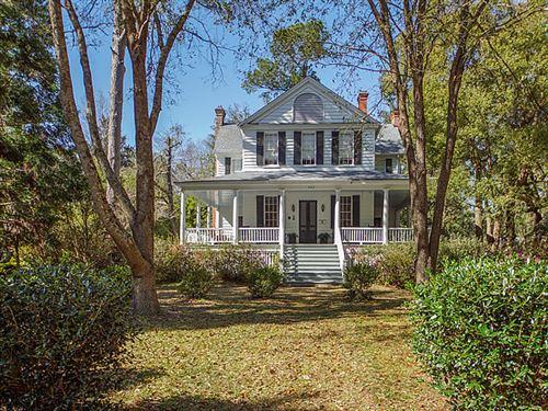 Photo of 420 W Carolina Avenue, Summerville, SC 29483 (MLS # 20006712)