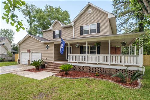 Photo of 401 Kingston Place, Summerville, SC 29486 (MLS # 20014728)