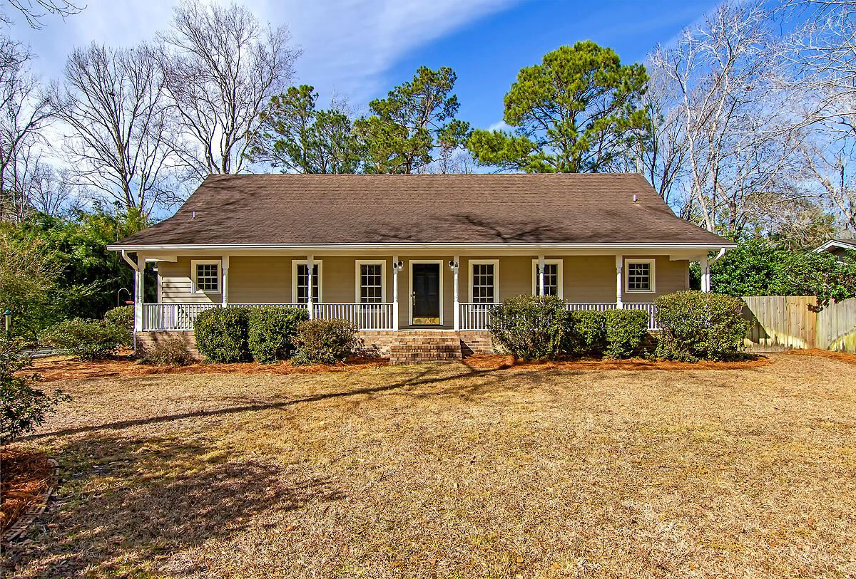 Photo of 891 Law Lane, Mount Pleasant, SC 29464 (MLS # 21004820)
