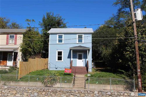 Photo of 809 STUART ST, STAUNTON, VA 24401 (MLS # 616993)