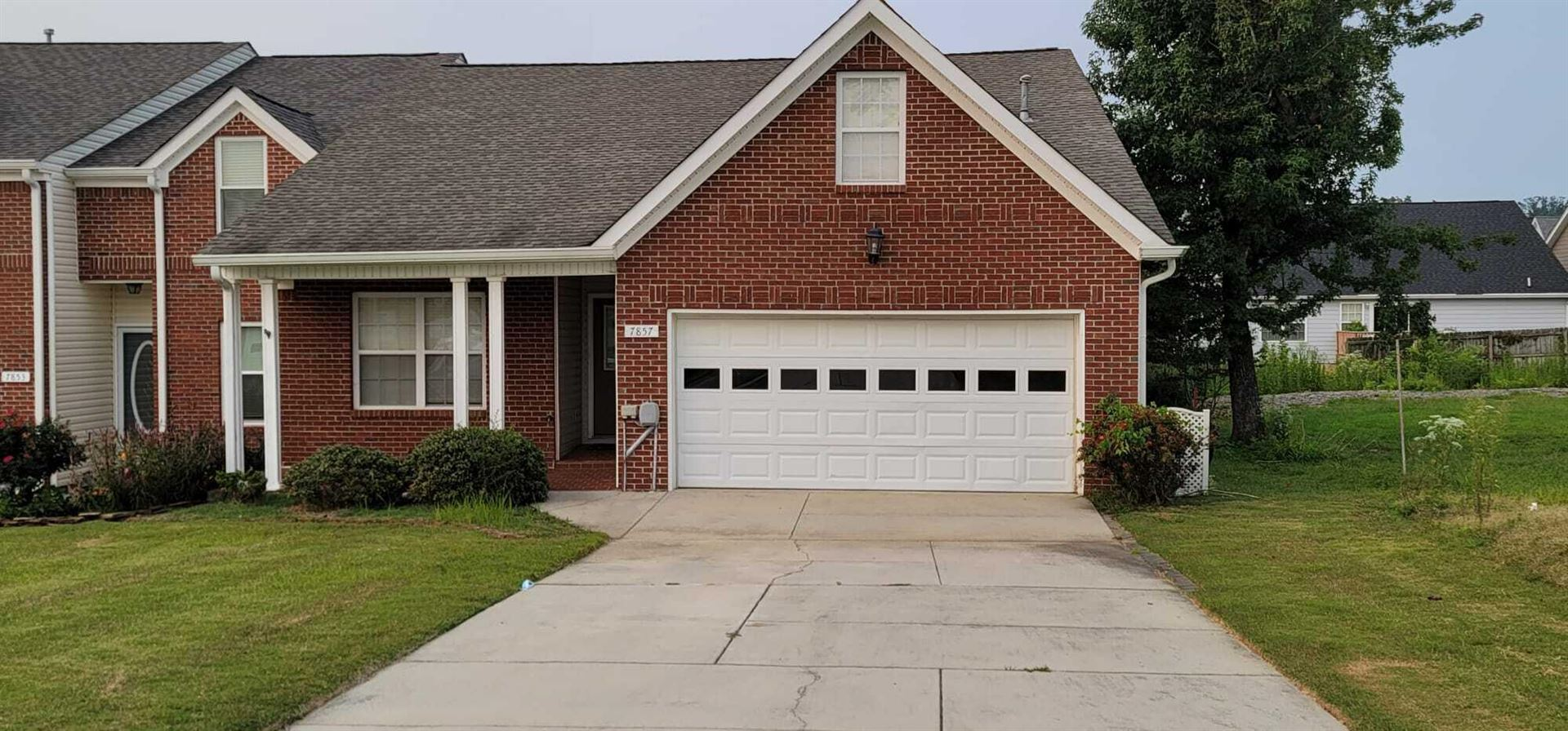 Photo for 7857 Legacy Park Ct, Chattanooga, TN 37421 (MLS # 1343437)