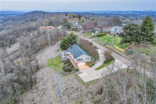 Photo of 661 S Crest Rd, Chattanooga, TN 37404 (MLS # 1332450)