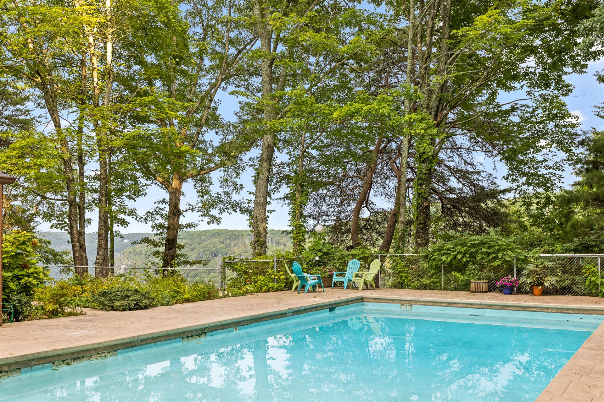 Photo for 2300 Little Bend Rd, Signal Mountain, TN 37377 (MLS # 1342488)
