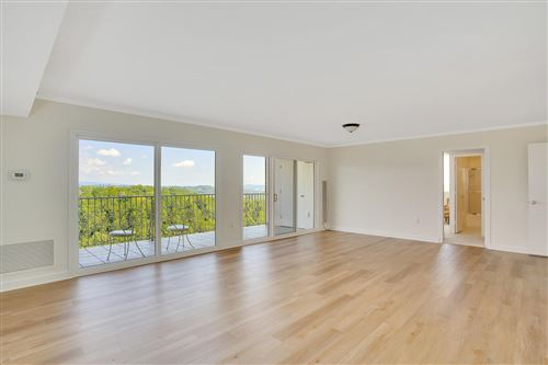 Photo of 1414 Continental Dr #1002, Chattanooga, TN 37405 (MLS # 1343510)