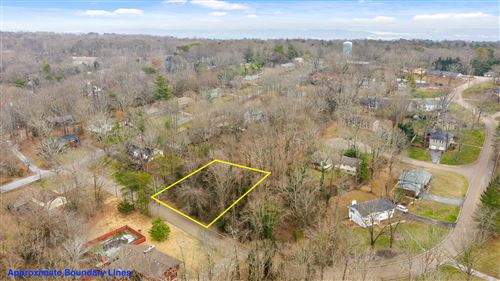 Photo of 1 Skyline Park Dr, Signal Mountain, TN 37377 (MLS # 1312904)