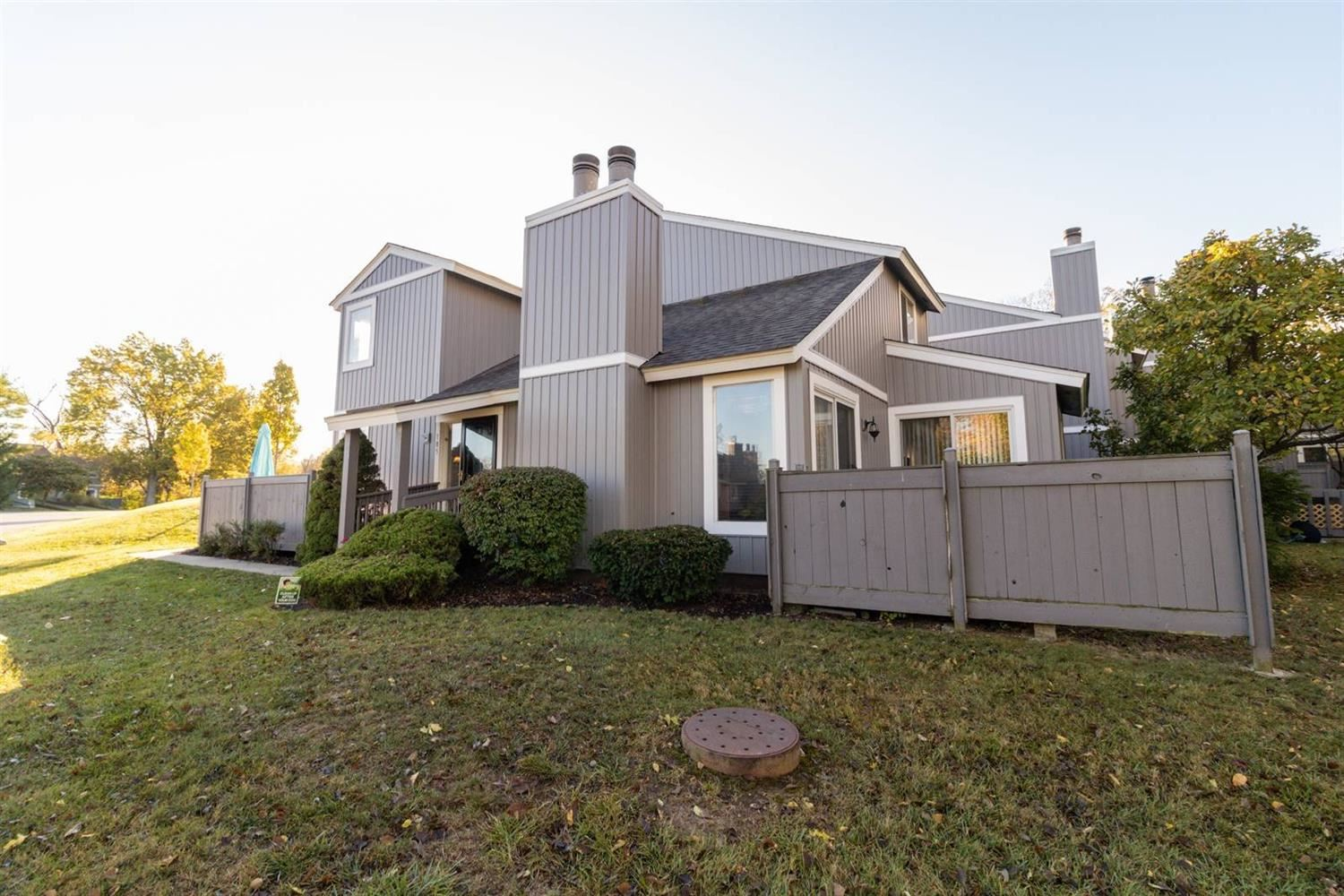 105 Twin Lakes Drive, Fairfield, OH 45014 - #: 1680437