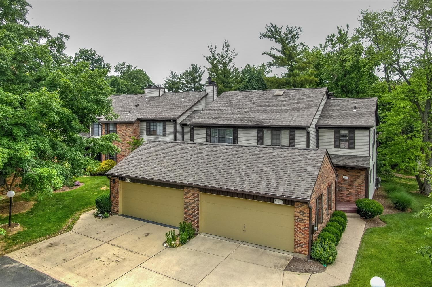 309 Carriage Circle Drive, Springdale, OH 45246 - #: 1702778