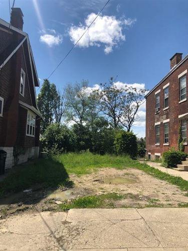 Photo of 2227 Stratford Avenue, Cincinnati, OH 45219 (MLS # 1699924)