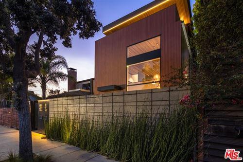 Photo of 303 Windward Avenue, Venice, CA 90291 (MLS # 21781198)