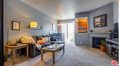 Photo of 620 S Gramercy Place #314, Los Angeles, CA 90005 (MLS # 21721242)