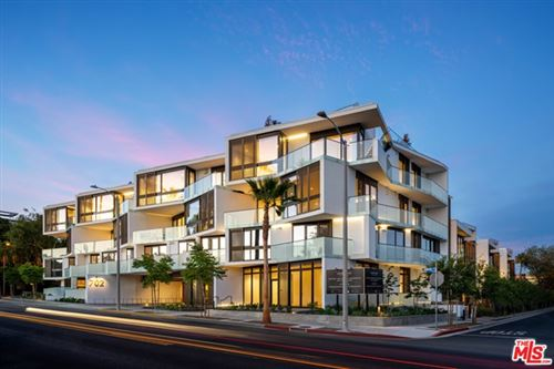 Photo of 702 N DOHENY Drive #PH4, West Hollywood, CA 90069 (MLS # 21784402)