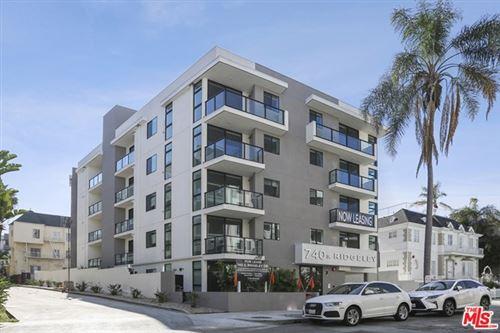 Photo of 740 S Ridgeley Drive #102, Los Angeles, CA 90036 (MLS # 20638634)
