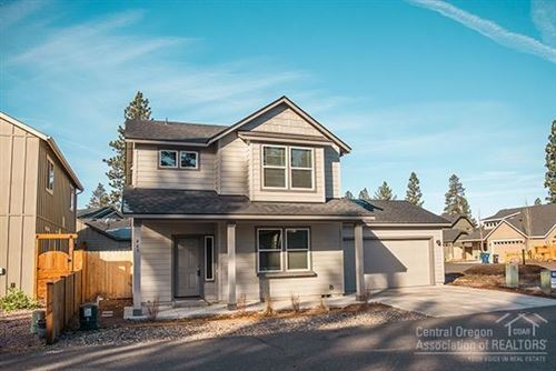Photo of 463 N Village Meadows Road, Sisters, OR 97759 (MLS # 220115001)