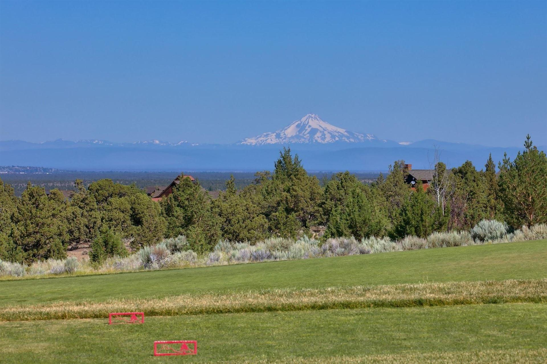 Photo of 15081 SW Twelve Elk Court, Powell Butte, OR 97753 (MLS # 220115005)