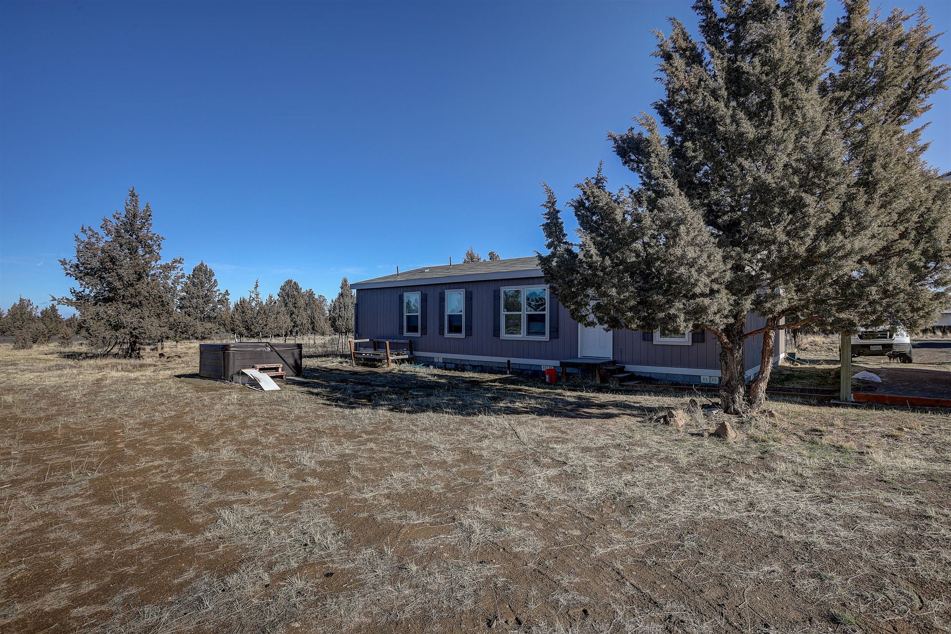Photo of 8080 SW Air Park Drive, Culver, OR 97734 (MLS # 220115006)