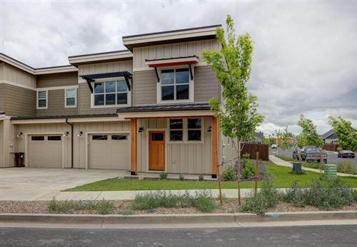Photo of 3682 SW Badger Avenue, Redmond, OR 97756 (MLS # 220125010)
