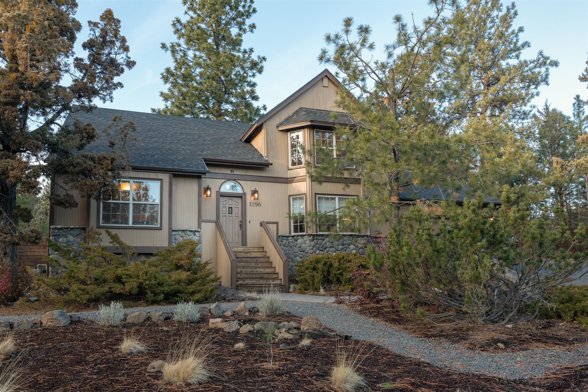 Photo of 1296 NW City View Drive, Bend, OR 97703 (MLS # 220115015)