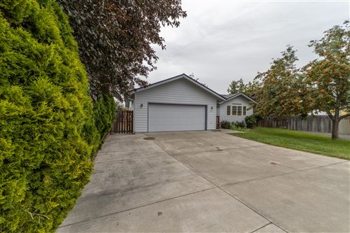 Photo of 654 NW 21st Court, Redmond, OR 97756 (MLS # 220107019)