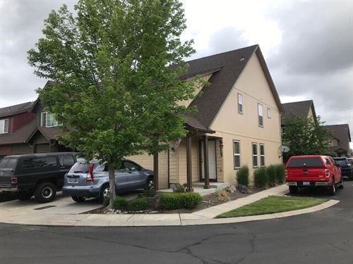 Photo of 2977 SW Indian Circle, Redmond, OR 97756 (MLS # 220125022)