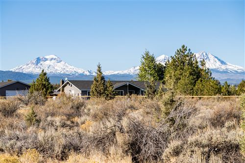Photo of 17617 Knight Road, Bend, OR 97703 (MLS # 220134029)