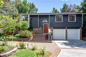 Photo of 1114 SE Gatewood Place, Bend, OR 97702 (MLS # 201906037)