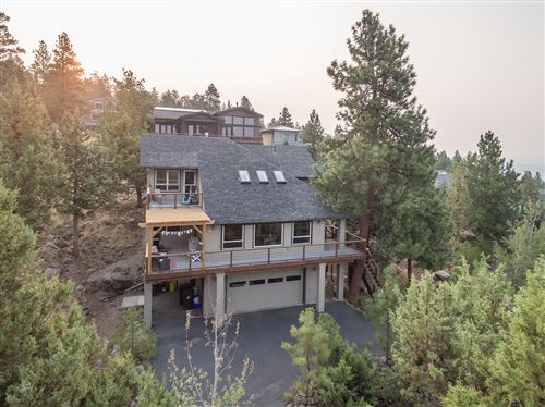 Photo of 1992 NW Sun Ray Court, Bend, OR 97701 (MLS # 220109044)