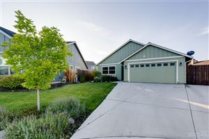 Photo of 963 SW 24th Place, Redmond, OR 97756 (MLS # 201908046)
