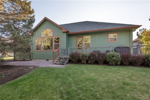 Photo of 472 Goshawk Drive, Redmond, OR 97756 (MLS # 201909047)