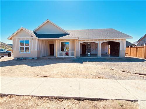 Photo of 463 SE Sumner Drive, Prineville, OR 97754 (MLS # 220125047)