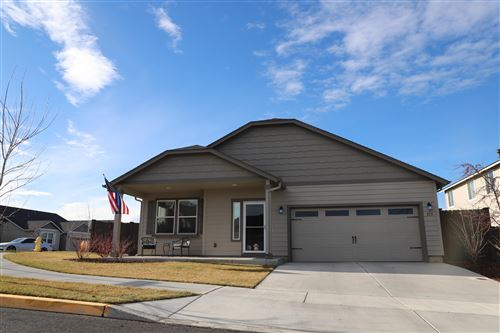 Photo of 855 NW 24th Way, Redmond, OR 97756 (MLS # 220115053)
