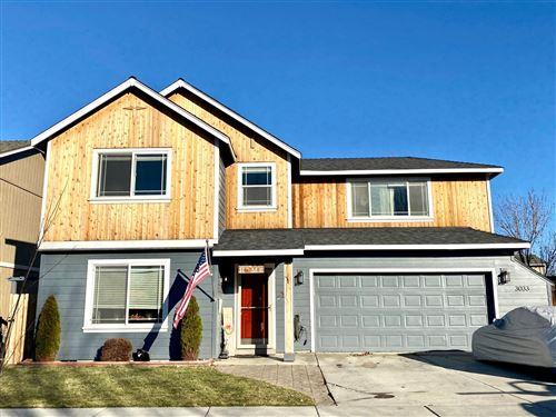 Photo of 3033 SW Deschutes Avenue, Redmond, OR 97756 (MLS # 220113059)