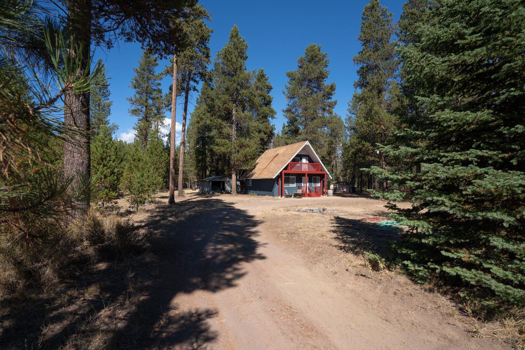 Photo of 16100 Elkhorn Lane, La Pine, OR 97739 (MLS # 220132061)