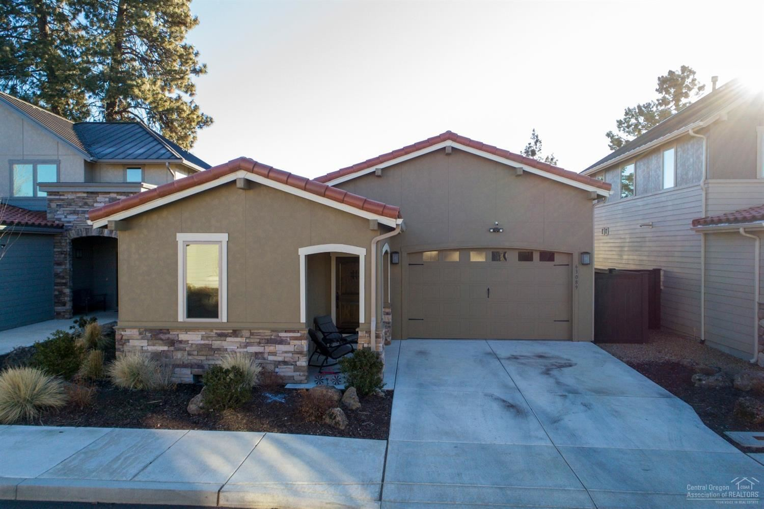 Photo for 63089 NW Via Cambria, Bend, OR 97703 (MLS # 202001074)