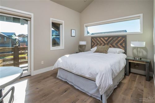 Tiny photo for 19110 Gateway Loop, Bend, OR 97702 (MLS # 201807090)