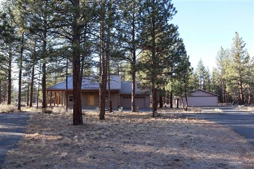 Photo of 15880 Pilot Drive, Sisters, OR 97759 (MLS # 202000093)