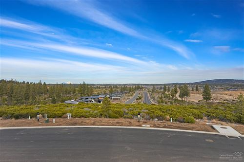 Photo of 19196 Gateway Loop, Bend, OR 97702 (MLS # 202000096)