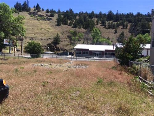 Photo of 313 S CANYON Boulevard, John Day, OR 97845 (MLS # 220103104)
