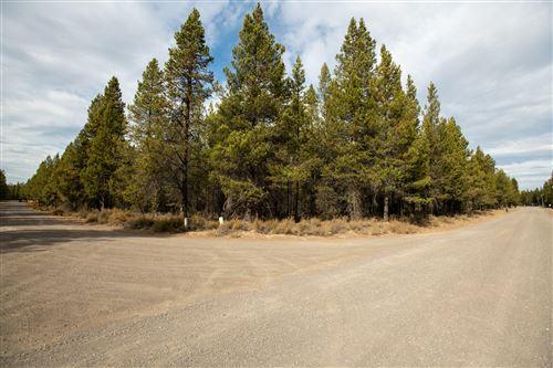 Photo of 15551 Pleasant Street, La Pine, OR 97739 (MLS # 220134106)