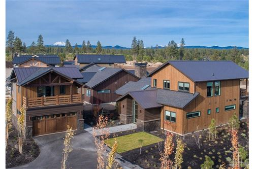 Photo of 19130 Gateway Loop, Bend, OR 97702 (MLS # 202003113)