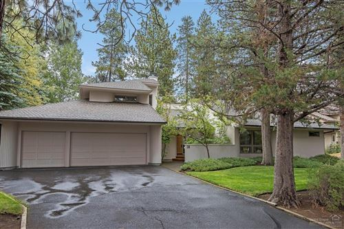Photo of 58046 Winners Circle #31, Sunriver, OR 97707 (MLS # 201909115)